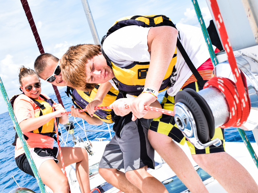 team_sail_rope_pull